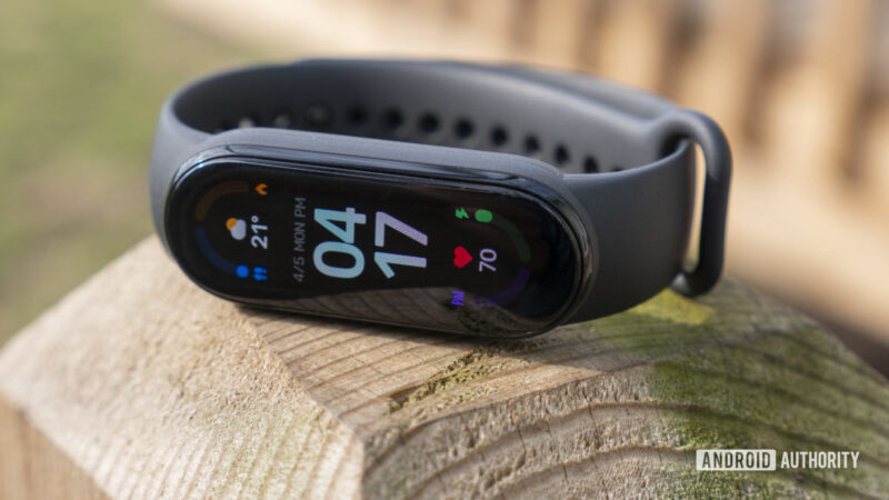 Save 35% on the new Xiaomi Mi Band 6, and more fitness tracker deals